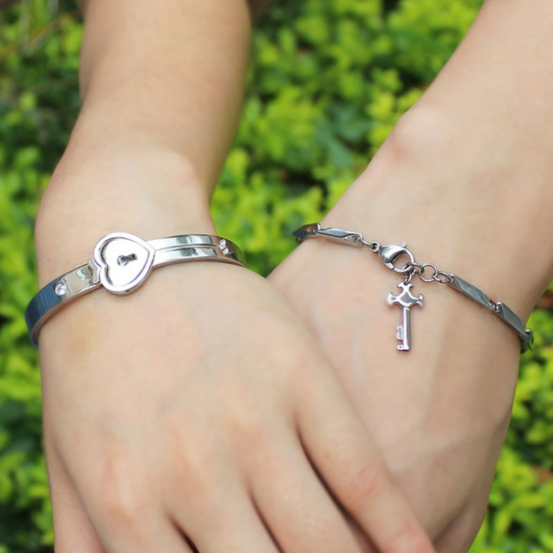 afddf3d23b OuYan Couples Bracelets, Key to My Heart Bangle and Bracelet Set in  Titanium Steel,